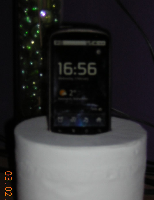 Nexus One in the Bog Roll