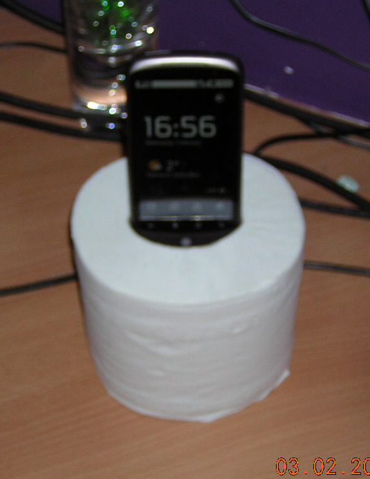 Nexus One in the Bog Roll from a different angle